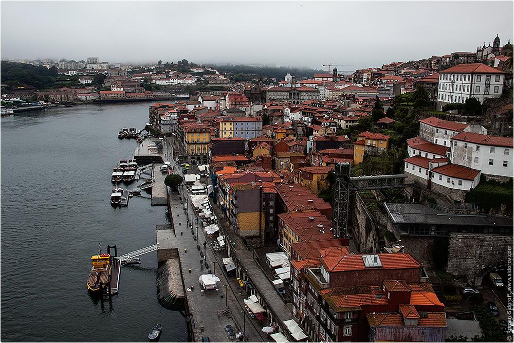 Вид на старый город Порто и набережную, Поргугалия. (View of the Old City of Porto and the river.)