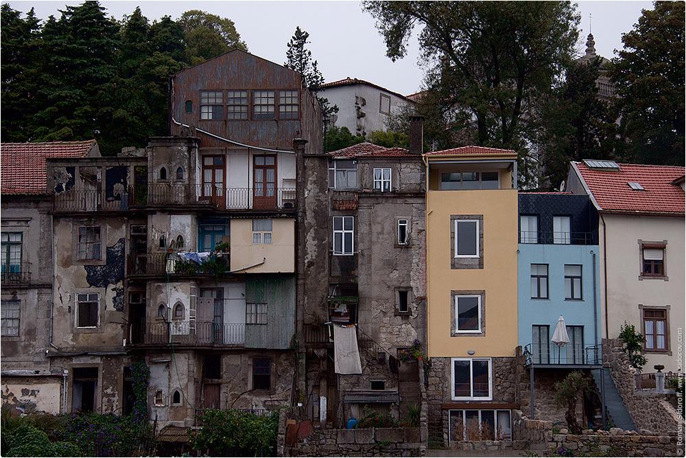 Старые и новые здания Порто, Поргугалия. (The Old and New buildings of Porto.)